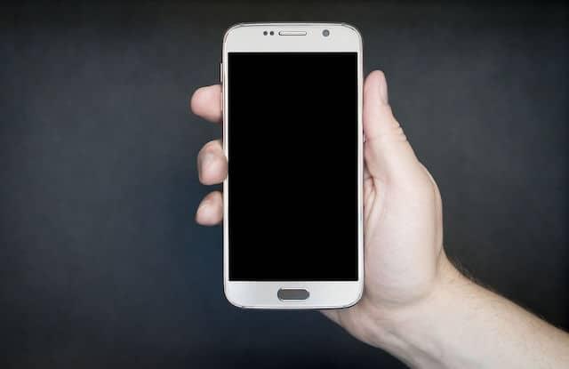 Die Tasten des Motorola Milestones: Zurück, Menü, Home und Suche